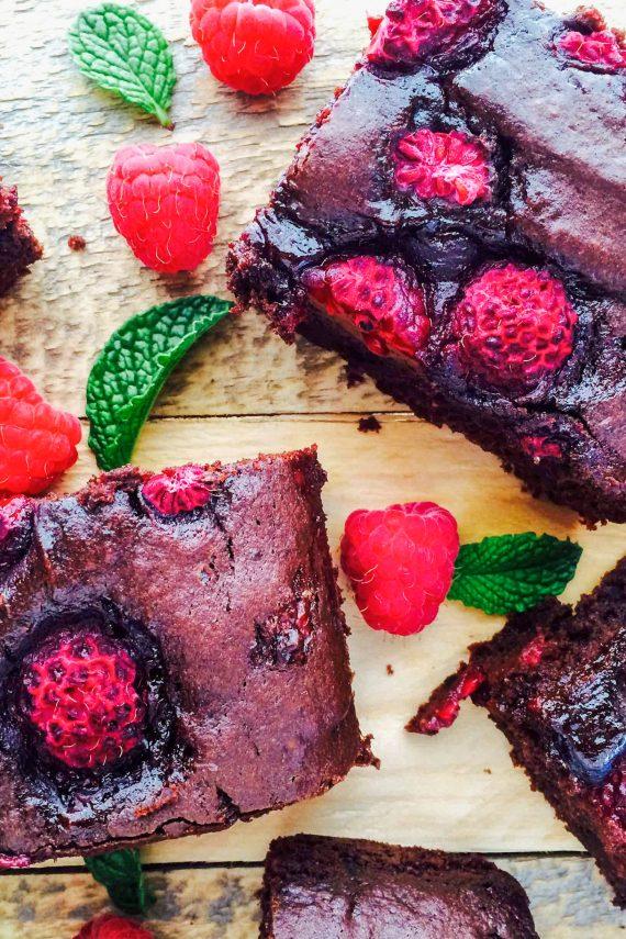 Low FODMAP Dark Chocolate and Raspberry Brownie
