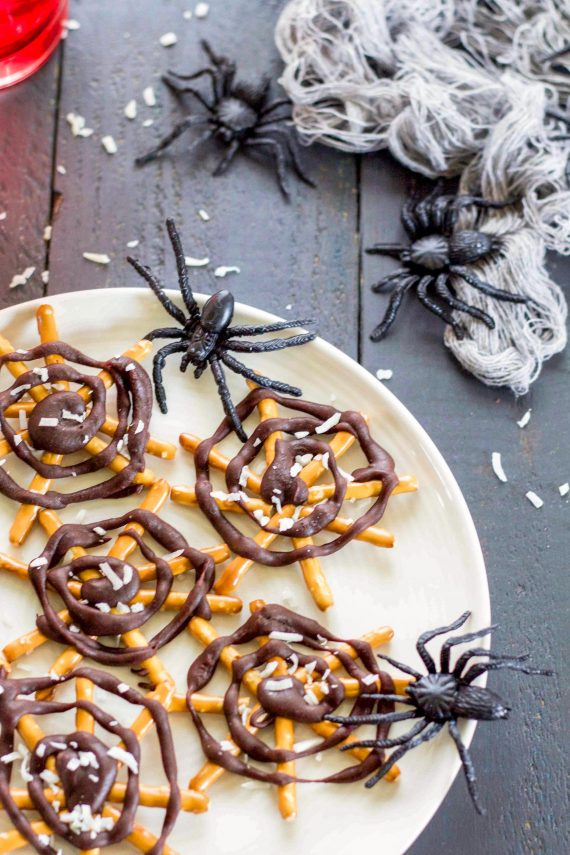 Low FODMAP Pretzel Spiderwebs