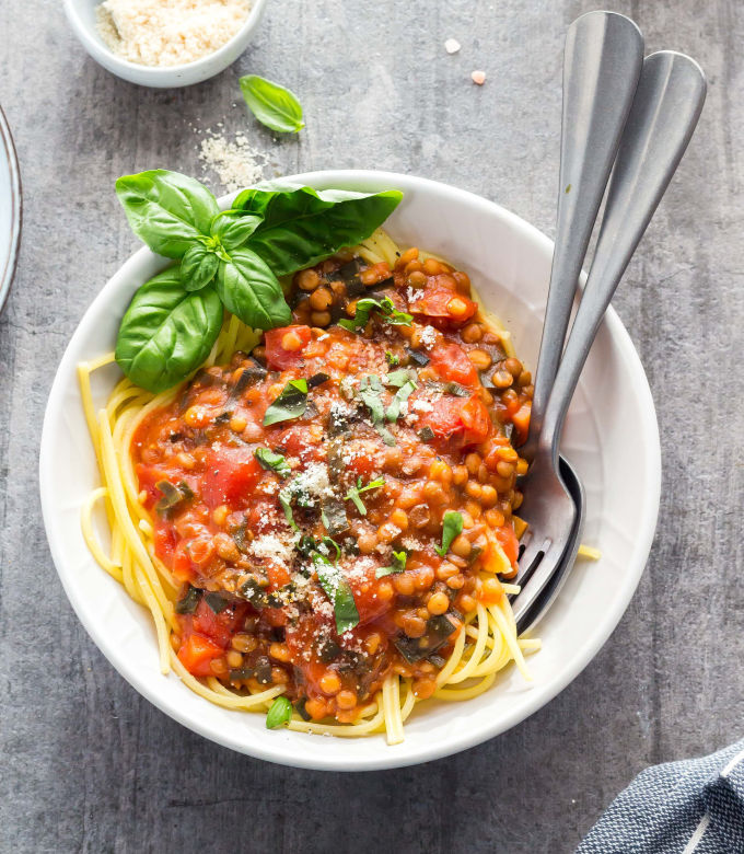 Low-fodmap-vegan-spaghetti-bolognese-683x1024